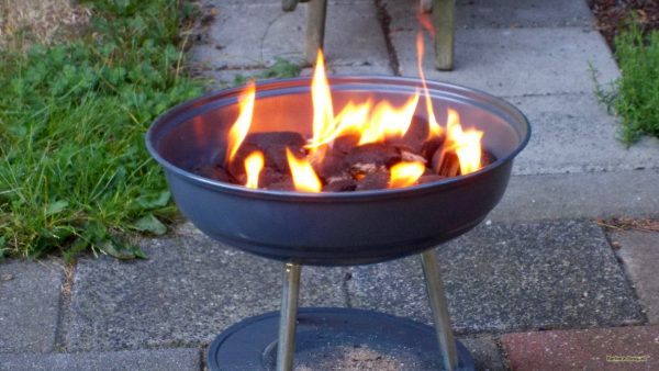 Fire wallpaper with burning barbecue