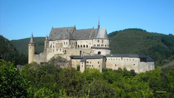 Castle wallpaper in luxemburg