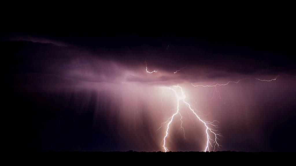 Bolt of lightning by night