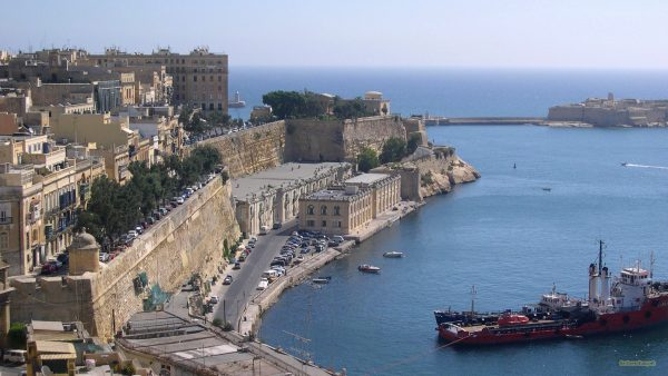 HD wallpaper with Malta harbor.