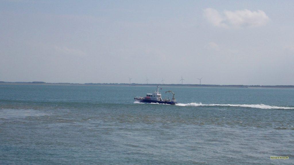 HD wallpaper ship in the sea