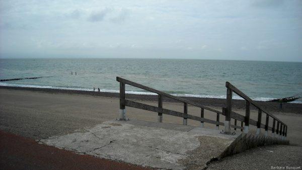 Wallpaper stairs to asphalt beach