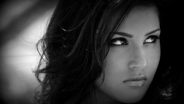 HD wallpaper Sunny Leone in black white