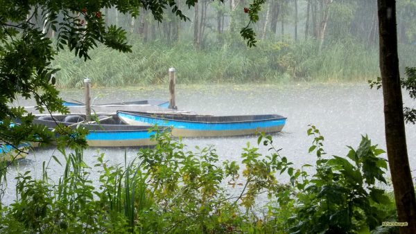 HD wallpaper boats in the rain