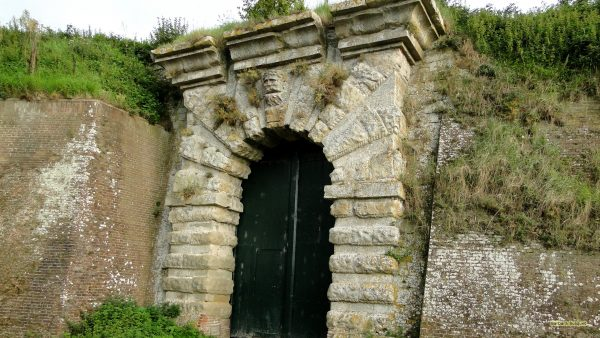 HD wallpaper with an old stone gate