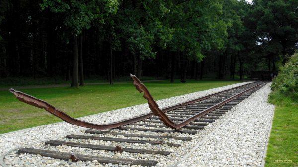 HD wallpaper railway track.