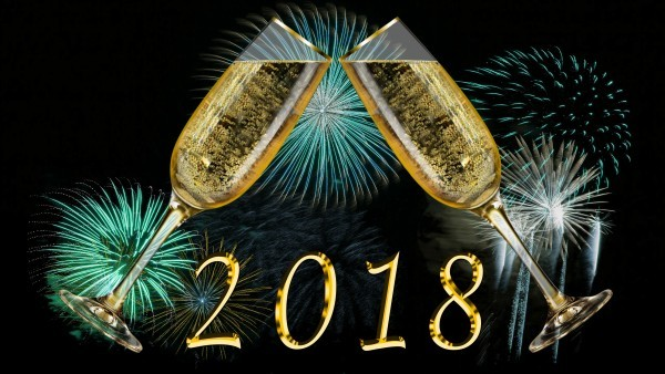 2018 wallpaper champagne glasses and fireworks