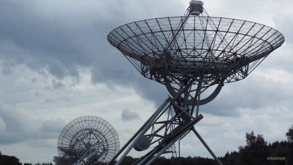 HD wallpaper two antennas of Westerbork Synthesis Radio Telescope