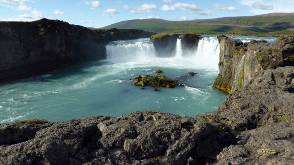 HD wallpaper with a view on the Godafoss waterfalls.