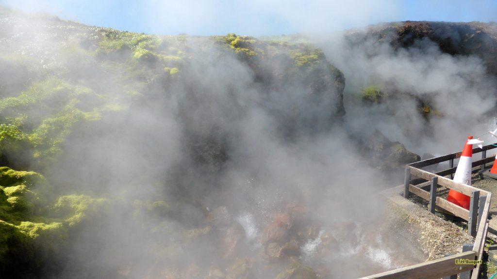 Iceland hot spring wallpaper