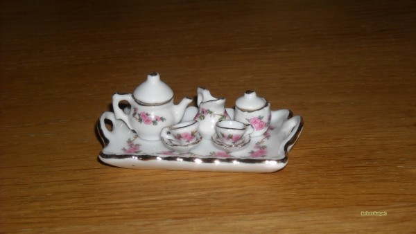 HD wallpaper with miniature cups and saucers