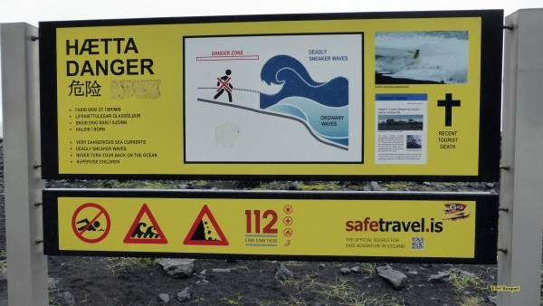 Danger sign about deadly sneaker waves.
