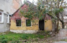 HD wallpaper empty house in Serbia